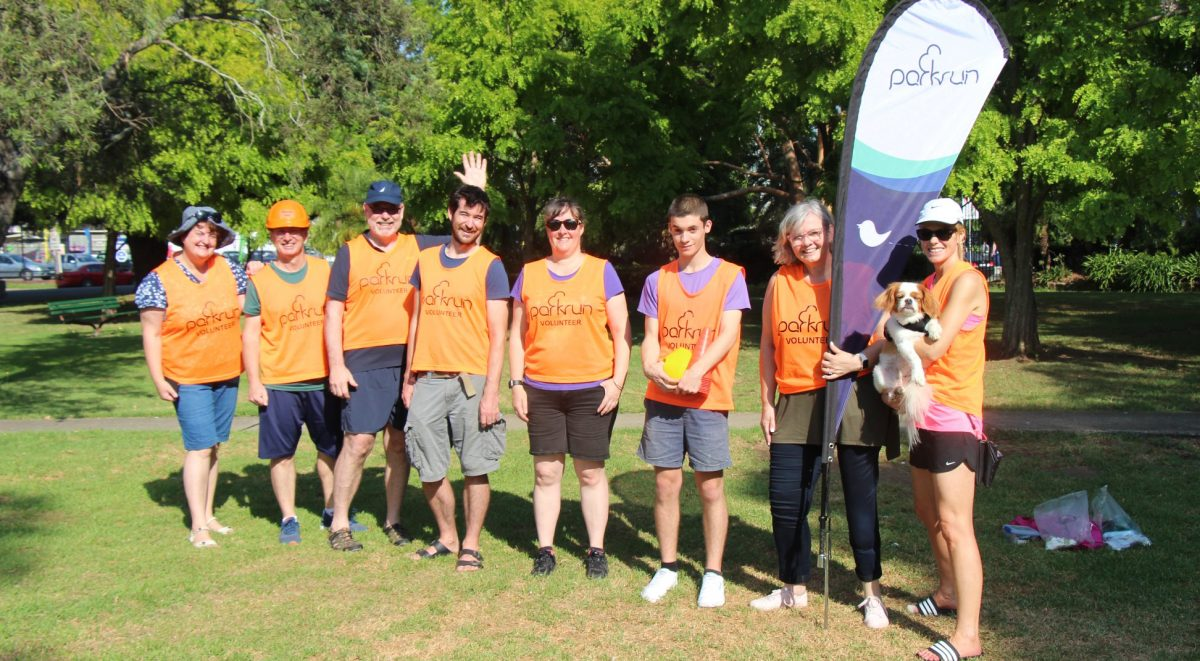 Cooks River parkrun volunteers in the park